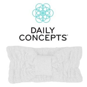 5/$25❣️ Daily Concepts Beauty Headband White